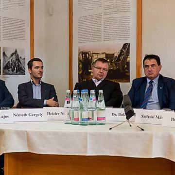 """""""Magyar szürke szarvasmarha a Kárpát-medencében"""